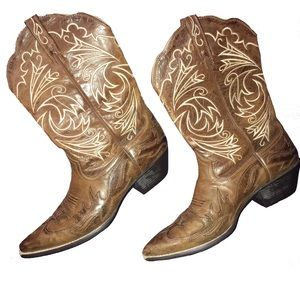 Ariat Heritage Western J-Toe Embroidered Boots